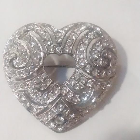 Avon Jewelry - Avon heart shaped brooch